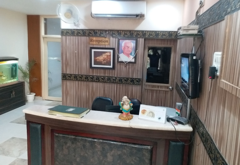 Hotel HKJ Residency, Varanasi, Meja Sambut Tetamu