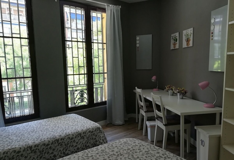 Residencial Doña Berenguela, Madrid, Twin Room, Shared Bathroom, Guest Room View