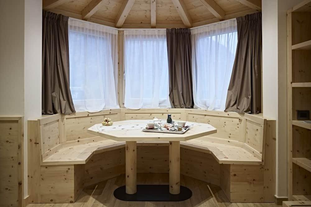 Čtyřlůžkový pokoj typu Comfort (Quarzo) - Obývací prostor