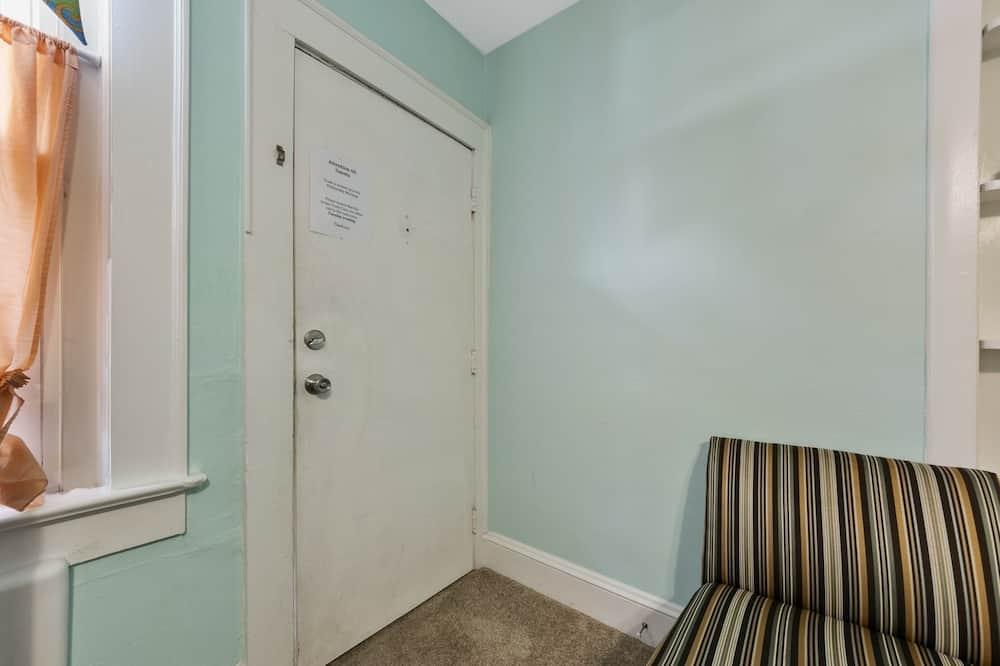 Cottage, 1 Bedroom - Living Room