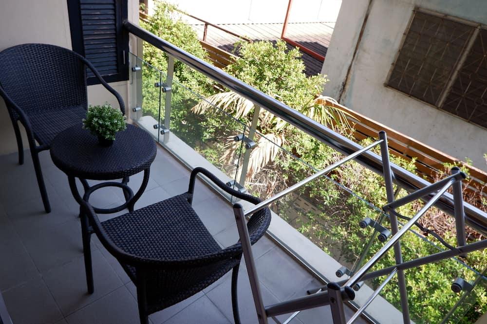 Deluxe Room, 1 Bedroom - Balcony