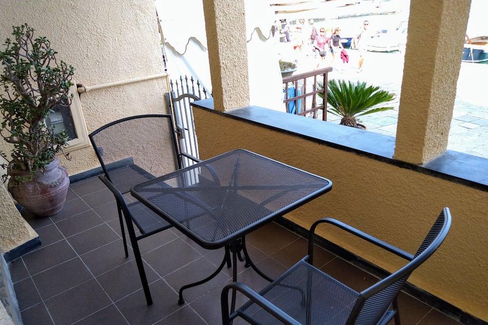 Kambarys (1 dvigulė / 2 viengulės lovos), balkonas, vaizdas į jūrą - Balkonas
