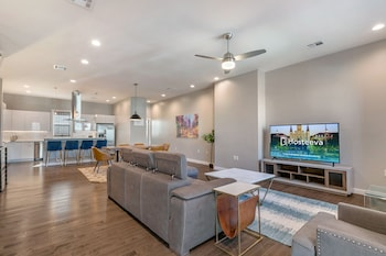Picture of Luxury 4BR 10 Min to French Quarter in New Orleans