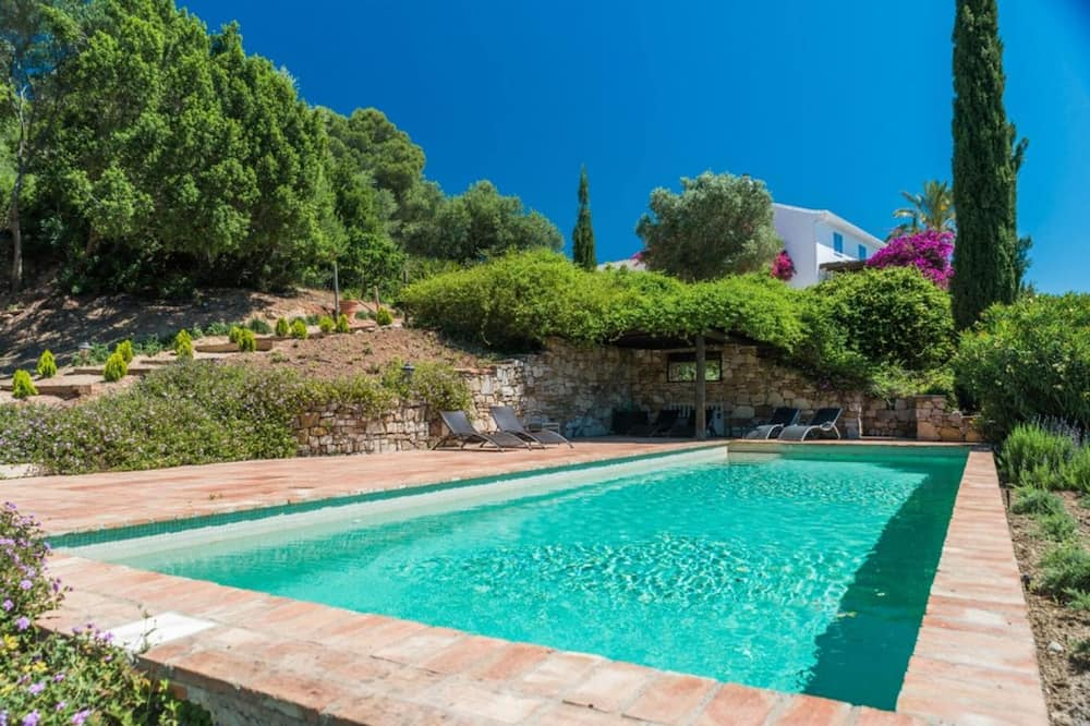 Villa With 4 Bedrooms in Málaga, With Wonderful Mountain View, Private Pool, Furnished Terrace - 27 km From the Beach