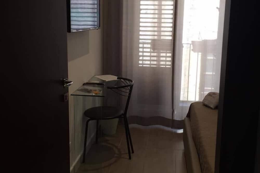 Dvoulůžkový pokoj, balkon - Obývací prostor