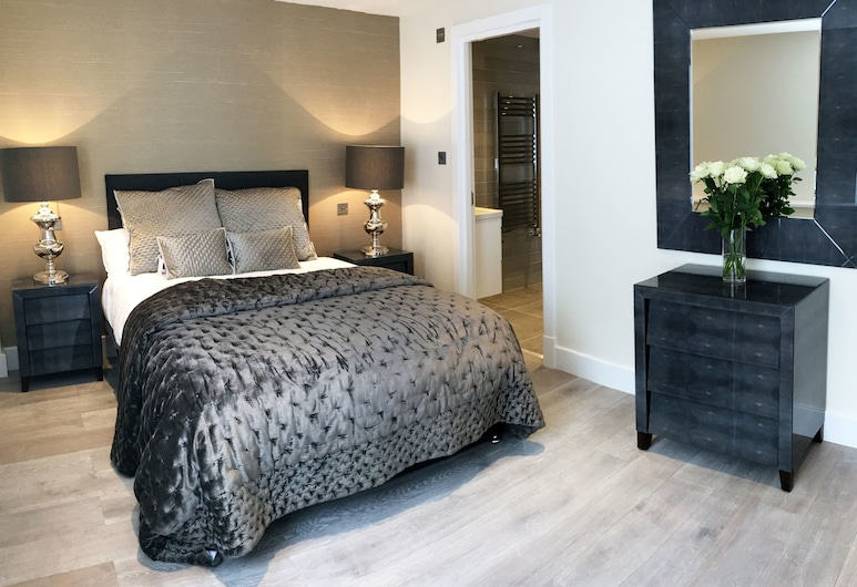 The Glasshouse Apartments, London, Family two bedroom apartment, Room