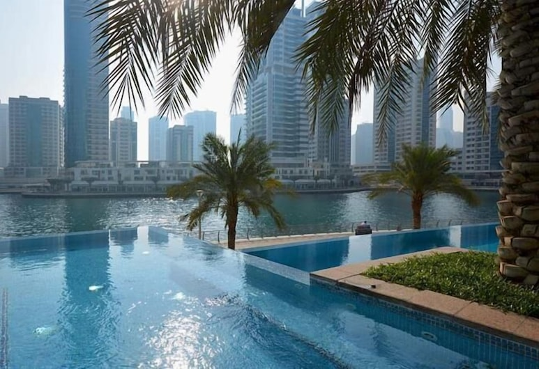 HiGuests Vacation Homes - P.I. Fairfield, Dubai, Property Grounds