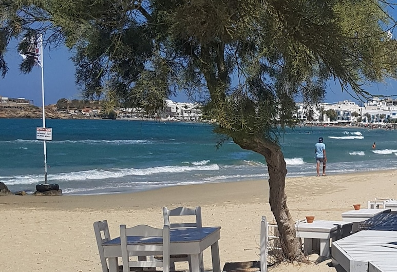 Crystal Mare Suites, Naxos, Beach