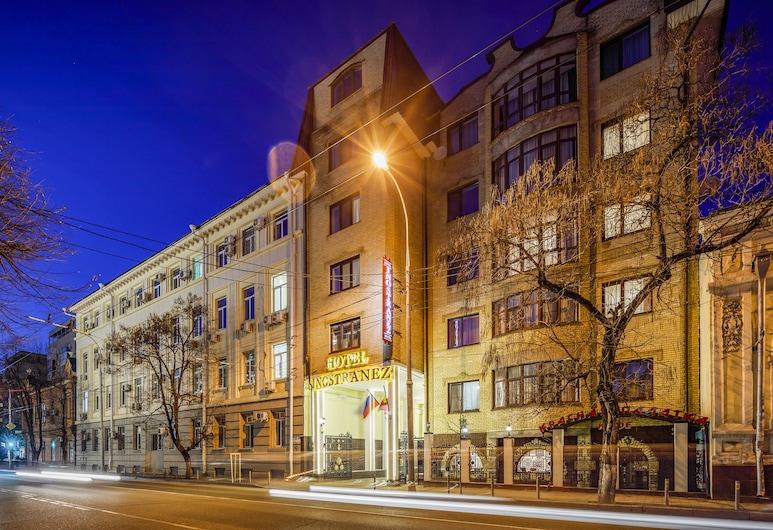 Hotel Inostranez, Krasnodar, Hadapan Hotel - Petang/Malam