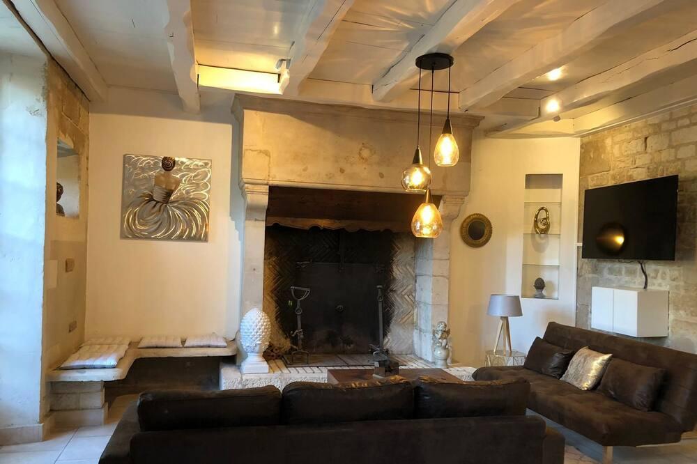 Villa (Donna Jacuzzi) - Dzīvojamā istaba
