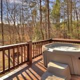 Cabin - Outdoor Spa Tub