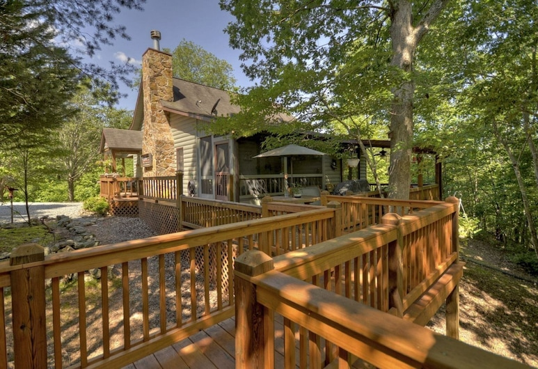 Snuggle Inn & Treehouse, Morganton, Ferienhütte, Balkon