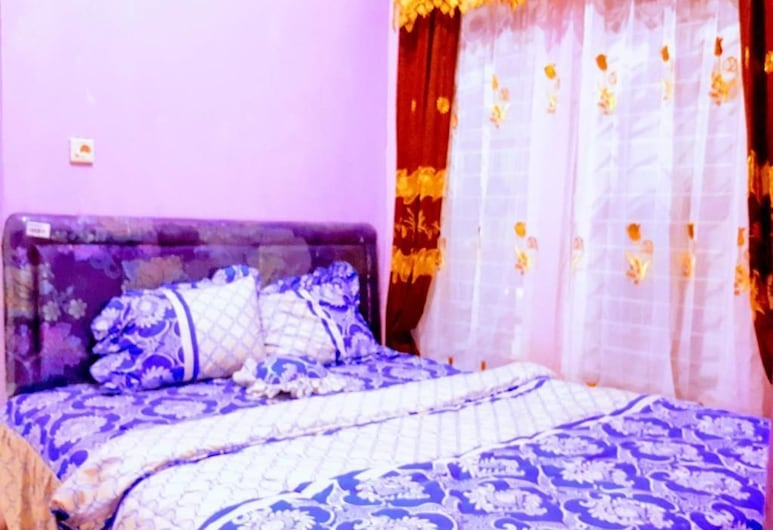 Ndalem Tentrem, Borobudur, Dvojlôžková izba typu Deluxe, Hosťovská izba