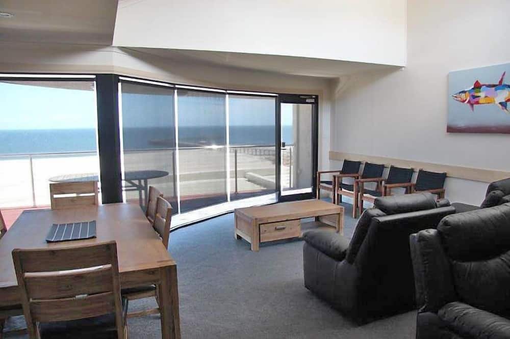 Three-Bedroom Apartment with Sea View - Living Area
