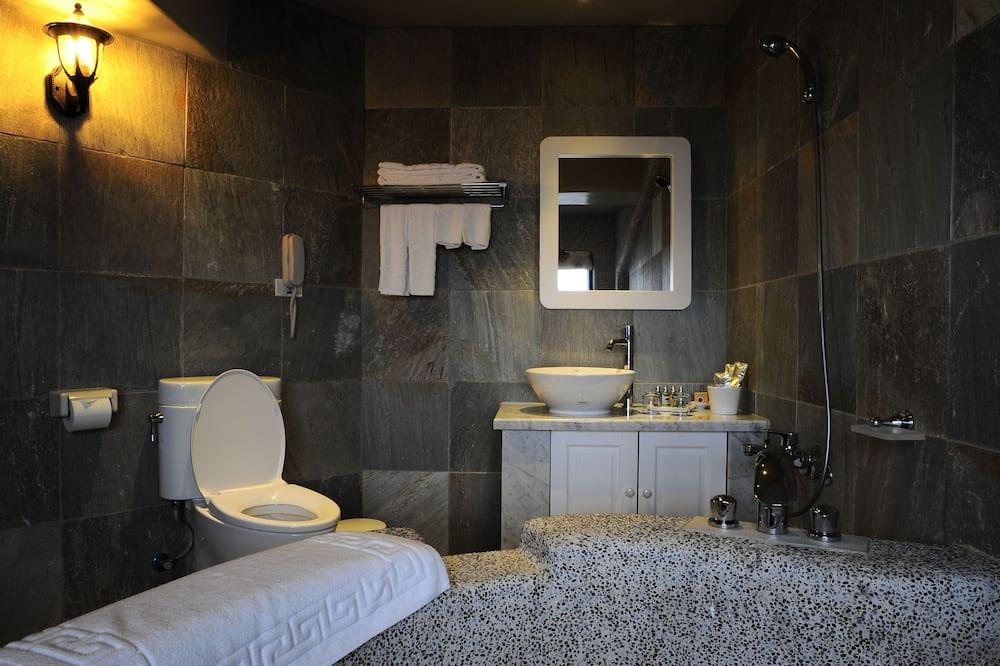 Double Room (J) - Bathroom
