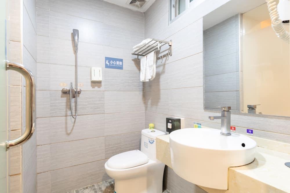 Štandardná dvojlôžková izba, bez okien - Kúpeľňa