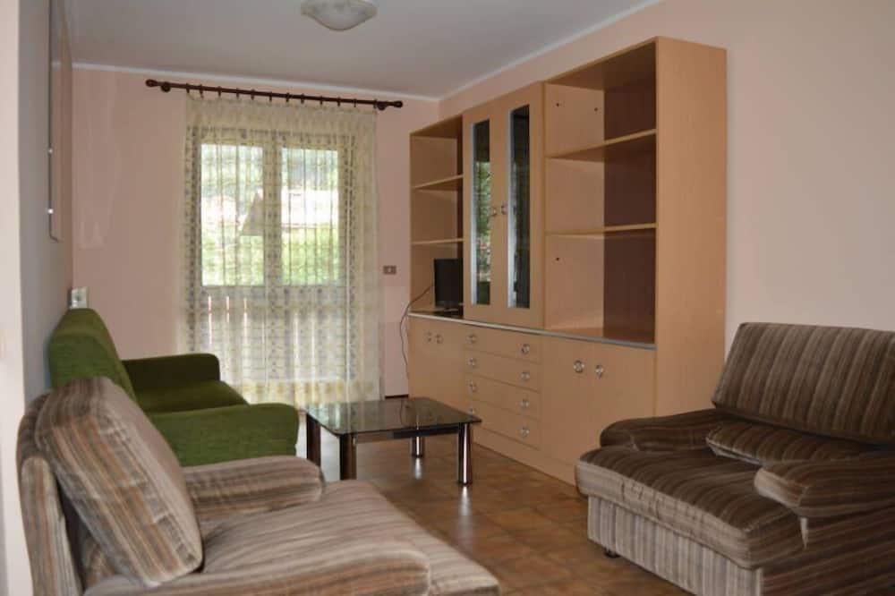 Apartment, 2 Bedrooms, Balcony (6 Prs) - Living Area