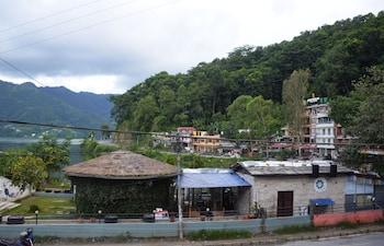 Фото Pokhara Metro Eco Hotel у місті Покгара