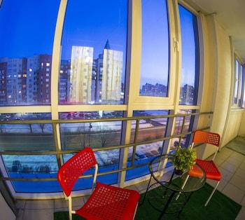 תמונה של Apartment on Marshala Zhukova 101 b.1 באומסק