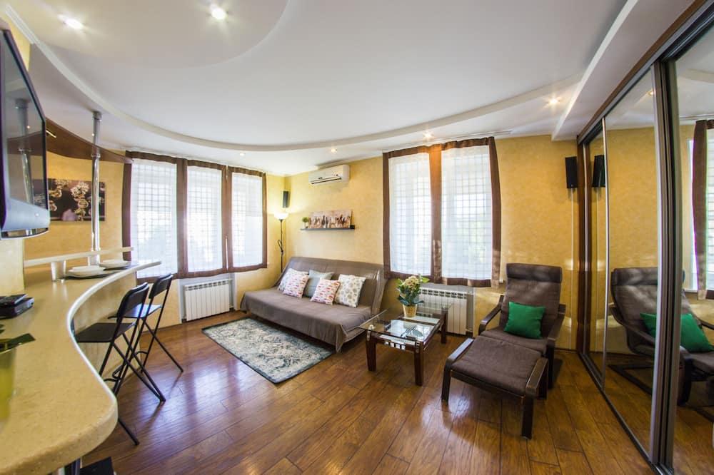 Business Studio Suite, 1 Bedroom - Living Room