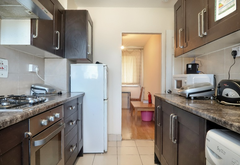 Corringham House, London, Apartment, Shared kitchen