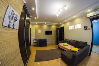 תמונה של Apartment on Karla Marksa 26 באומסק