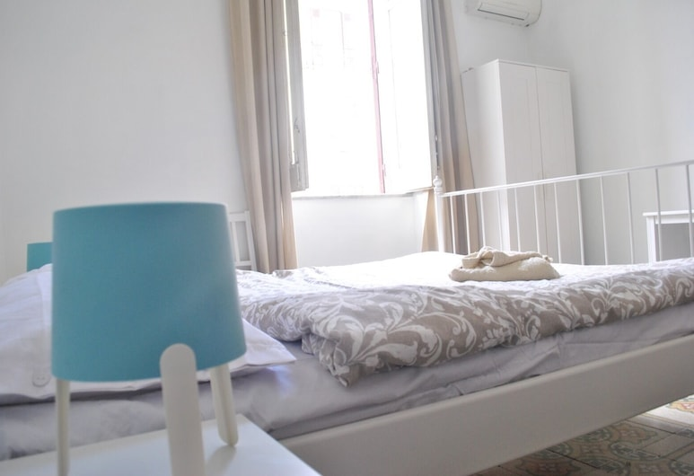 Sunrise Hostel & Rooms, Palermo, Camera quadrupla, balcone, vista città, Camera
