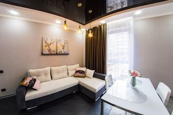 תמונה של Apartment Luxe on Maslennikova 58 באומסק