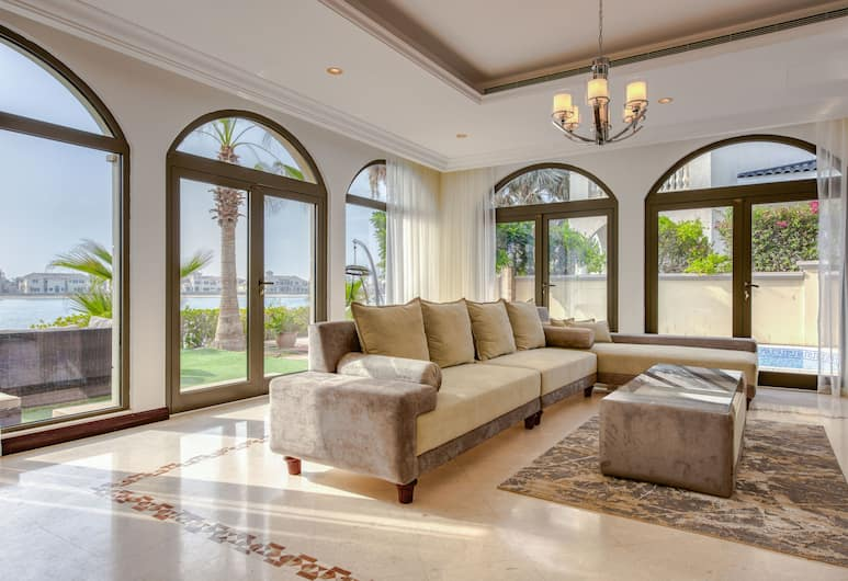 Villa in Frond M by Deluxe Holiday Homes, Dubai, Villa - 6 sovrum, Vardagsrum