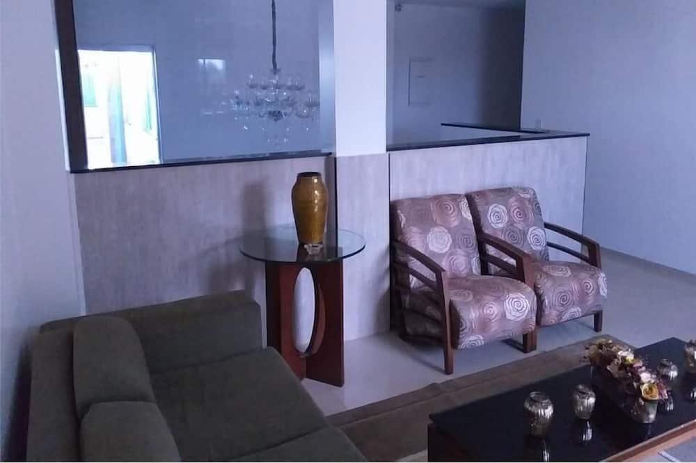 Tradicionális háromágyas szoba - Nappali rész
