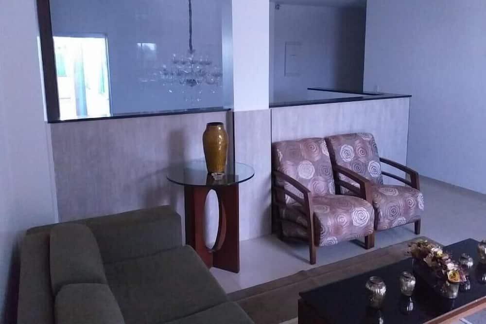 Traditional Τρίκλινο Δωμάτιο - Περιοχή καθιστικού