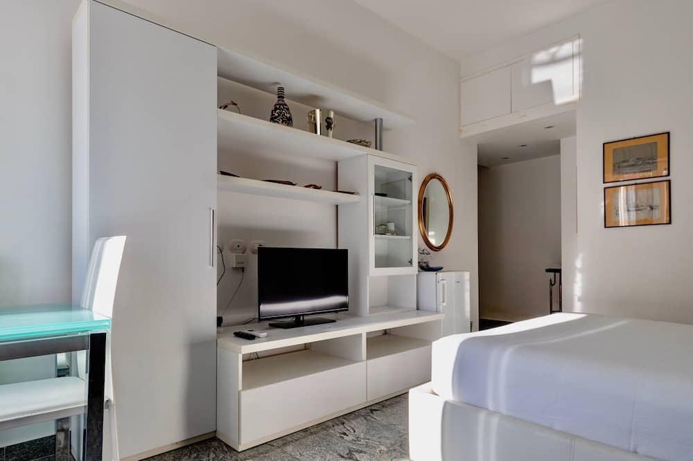 Executive Studio Suite - Living Area
