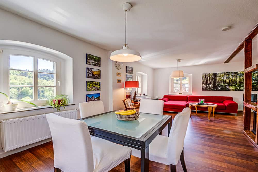 Classic Townhome - In-Room Dining
