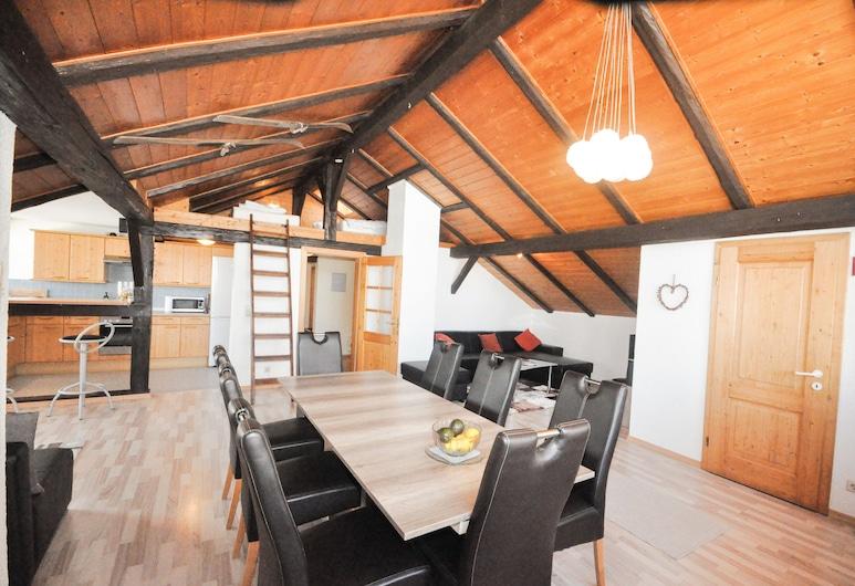 Lake View Lodges by we rent, Zell am See, Loft Gallery, Sauna, Área de Estar