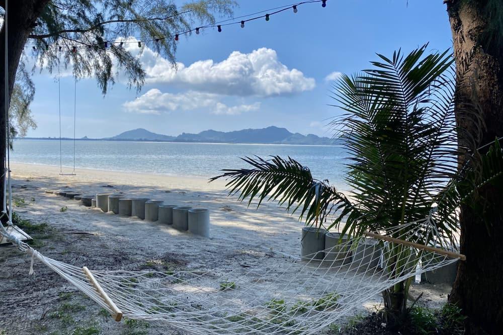 Basic Μπανγκαλόου - Παραλία