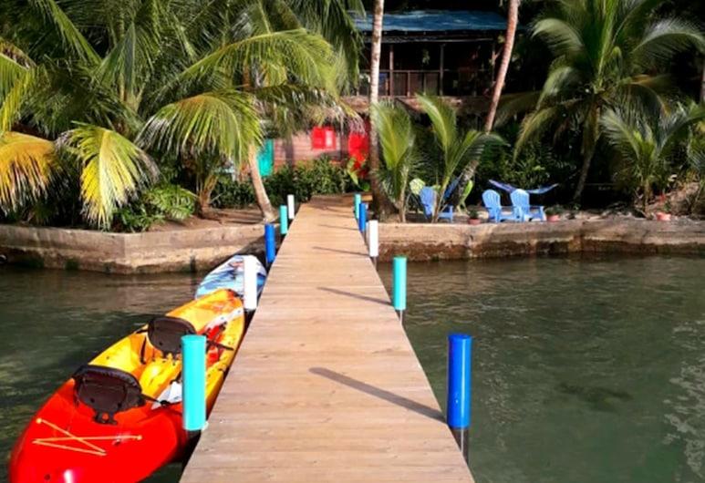 Carmen's Place, Isla Bastimentos, Kayaking
