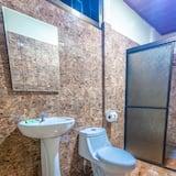Double Room, Berbilang Katil, Garden View - Bilik mandi