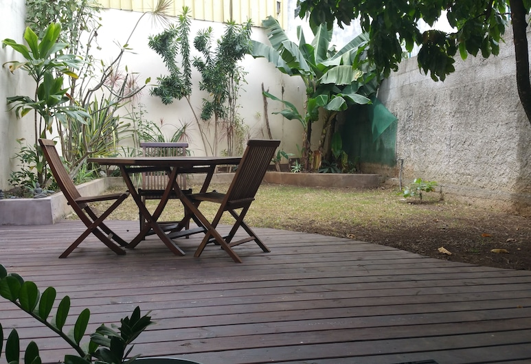 Paofai Guesthouse, Papeete, Property Grounds
