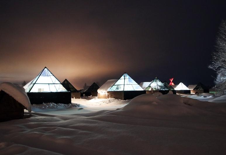 Aurora Pyramid Glass Igloos, Kittila