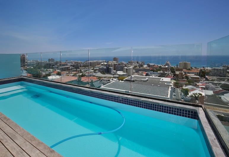 Calais 4, Cape Town, Luxury Apartment, Private pool