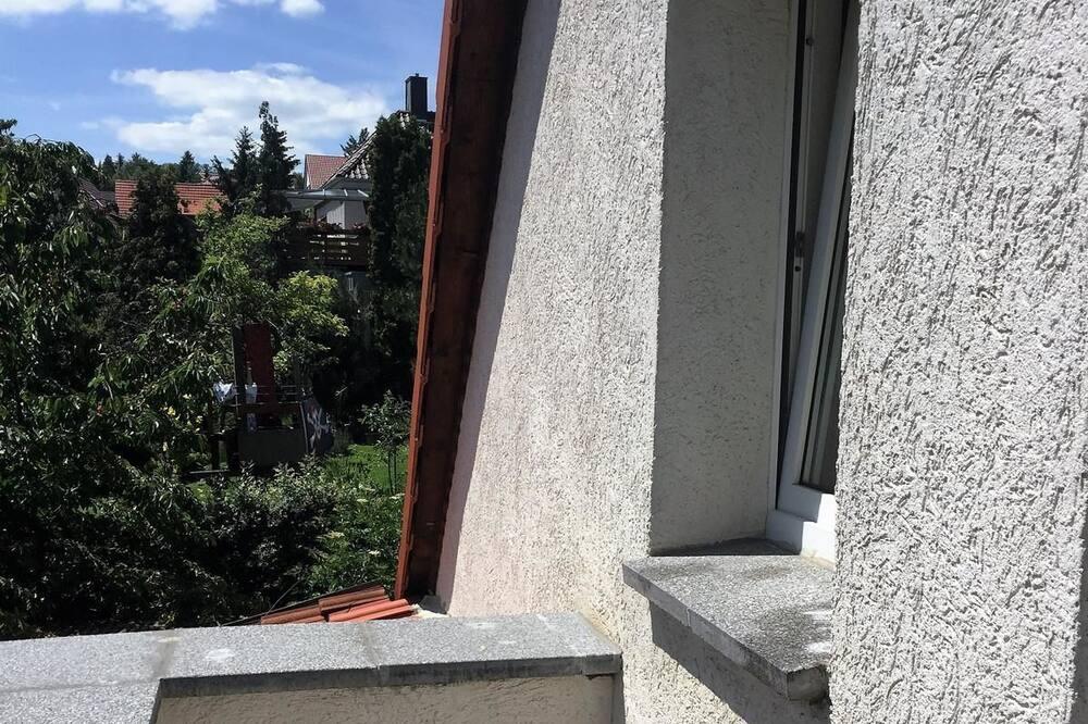 Стандартний двомісний номер, спільна ванна - Балкон