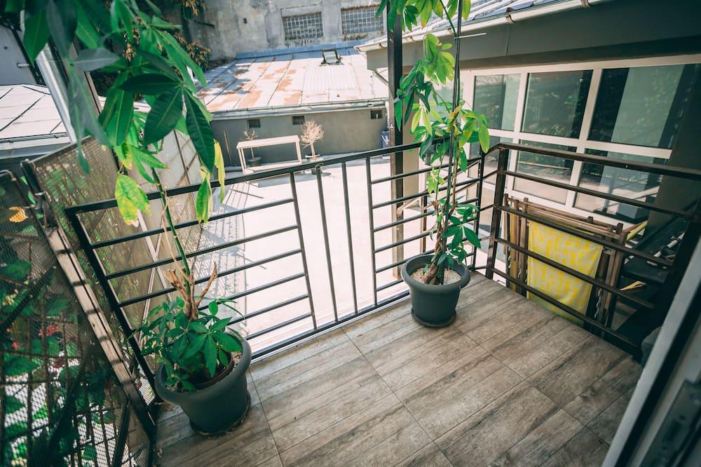 Comfort Quadruple Room, City View - Balcony