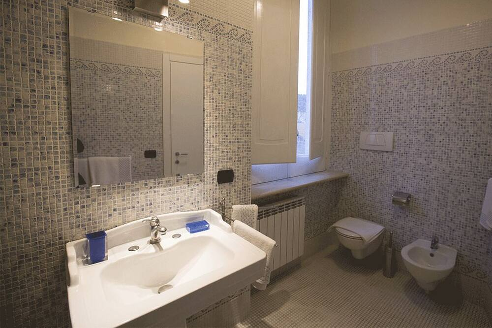 Habitación doble, baño privado (Oro) - Baño