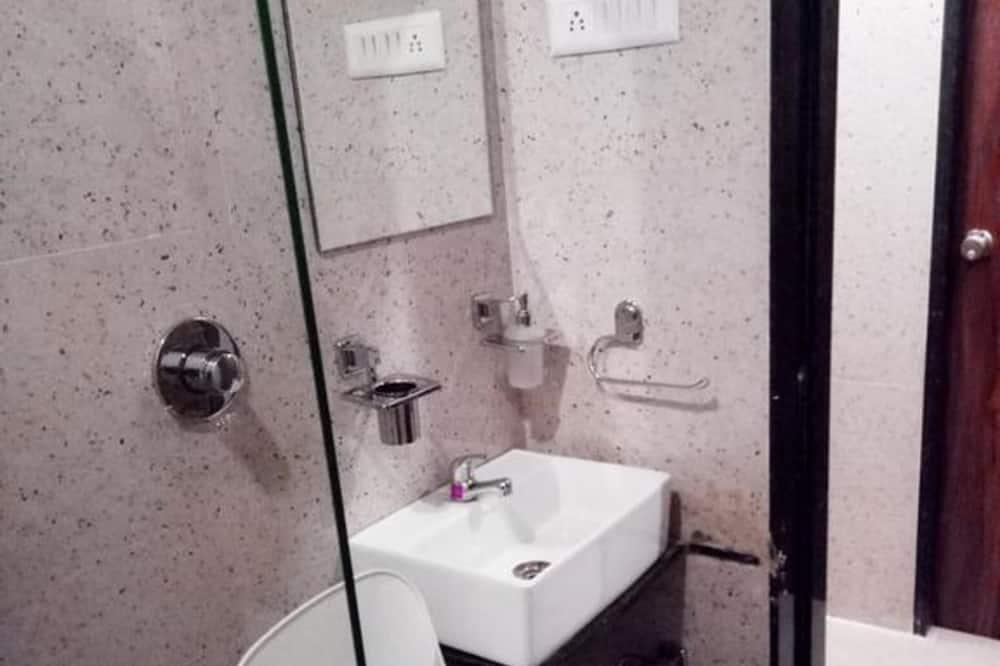 Business Ortak Ranzalı Oda - Banyo