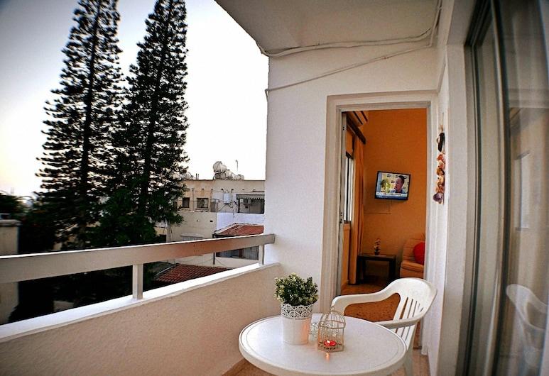 EasyStay 04 - One Bedroom Apartment, Ayia Napa, Külaliskorter, 1 magamistoaga, basseini kasutamise võimalusega, Rõdu