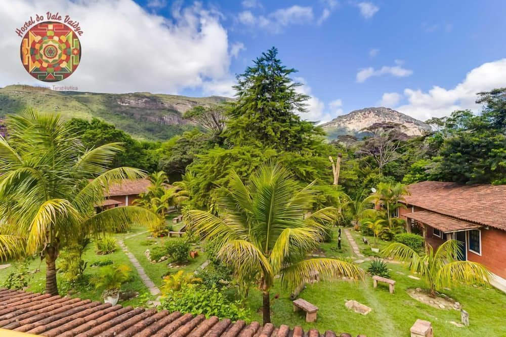 Basic Double or Twin Room, Mountain View, Garden Area - Garden View