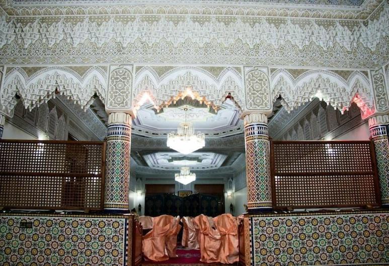 Residence Des Quatres Chemins, Ouled Abdoun Basin, Restaurante