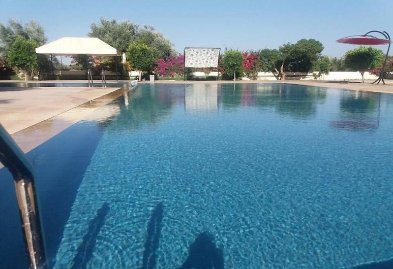 Hotel Oum El Fadl, Krifate, Piscina al aire libre