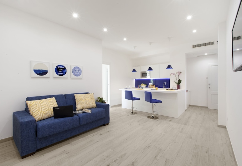 Sara Home With Private Terrace, Air Conditioning and Internet Wi-fi, Sorrento, Apartment, 2 Bedrooms, Living Area