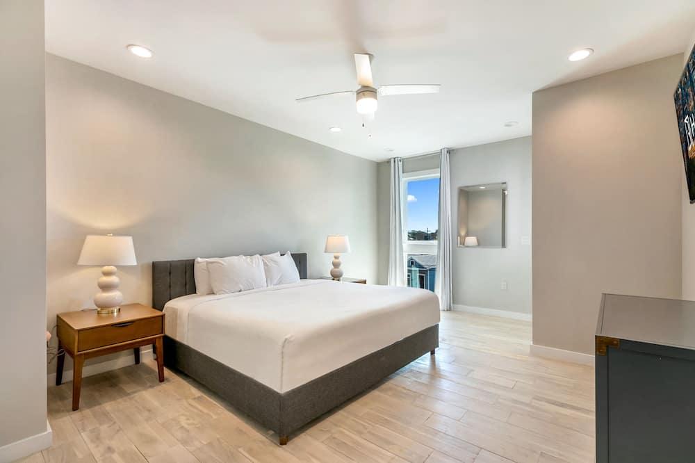 وحدة سكنية متصلة فاخرة - ٤ غرف نوم - بشرفة - منطقة المعيشة